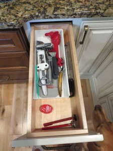 91 Day Decluttering Challenge- Day 4 Kitchen Drawers