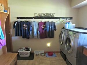 91 Day De-clutter Challenge- Laundry Room!!